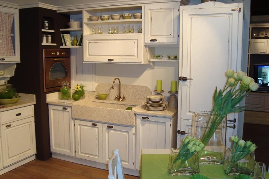 cucina shabby laccata bianca